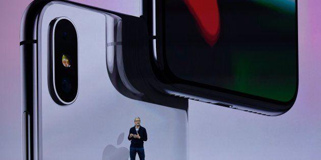 Perché la Samsung per guadagnare di più deve sperare che gli iPhone X vendano
