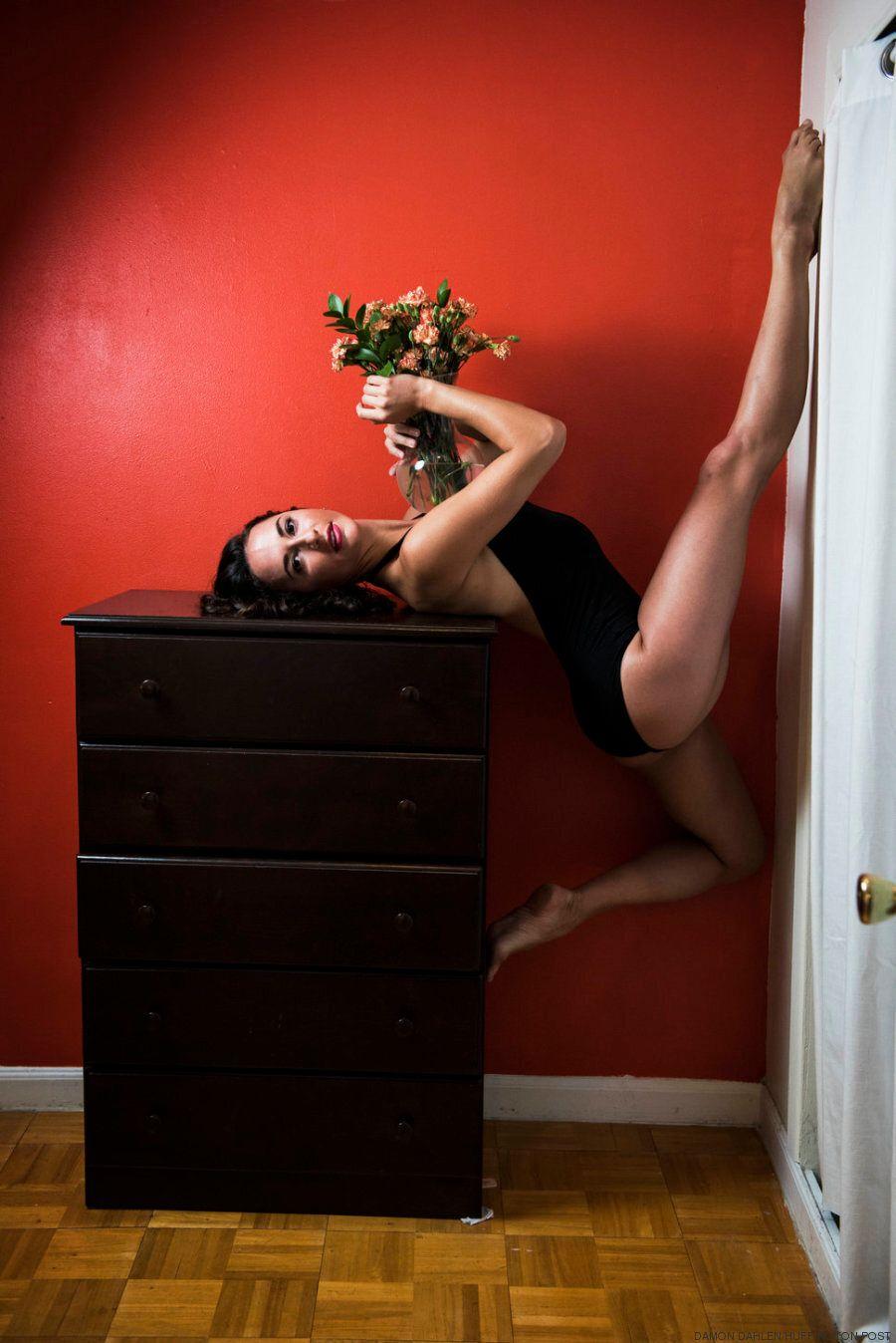 Queste foto private vi porteranno dentro le stanze delle ballerine di New