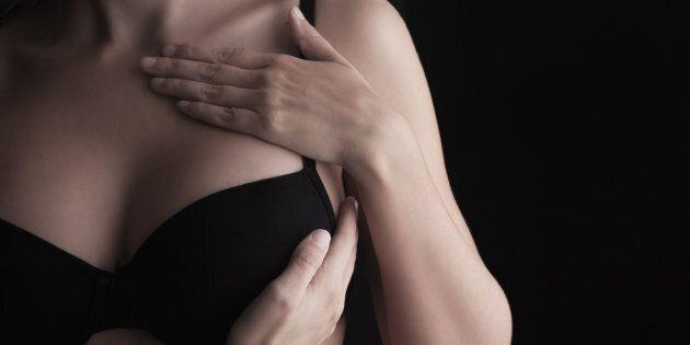 L'autopalpazione può salvarvi dal cancro al seno, ma il 31% delle donne non sa
