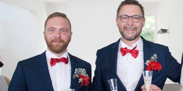 Capo scout si sposa con il compagno. Il parroco: