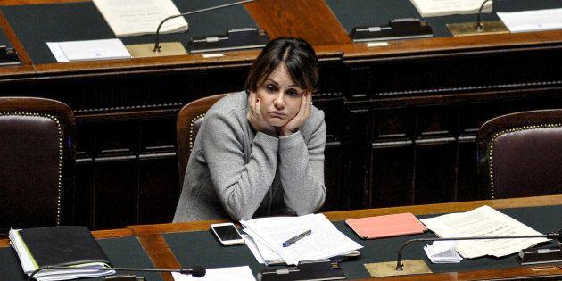 L'ex sottosegretaria Simona Vicari restituisce il rolex: