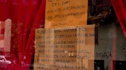 In questo negozio di Milano non possono entrare gli stranieri (e prima neanche i