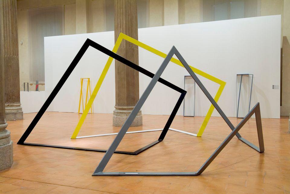 Gnom-one-two-three_1984 Allestimento mostra Maestri a Milano, Varsco - Colombo, rotonda della Besana,...