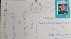 I genitori mandano da Parigi una cartolina ai figli arriva dopo 36 anni e rinchiude un mistero (anzi
