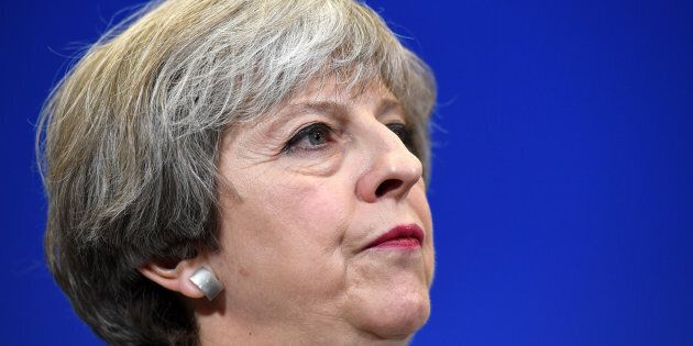 Shock per Theresa May: Tory primi, ma senza