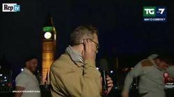 Botte da orbi dietro l'inviato di La7 a Londra. Lui resta impassibile, ma Mentana si