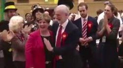 Corbyn non contiene l'entusiasmo: il suo