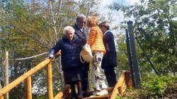 Peppina sfrattata a 95 anni dalla casetta di legno, se ne va in un container vicino:
