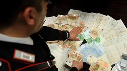 Nascondevano oltre 300 tessere elettorali in casa, 3 arresti in provincia di