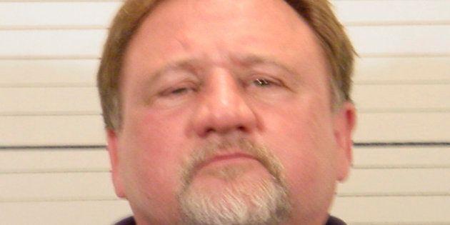 Steve Scalise ferito in una sparatoria vicino a Washington: colpito all'anca, è in condizioni critiche....