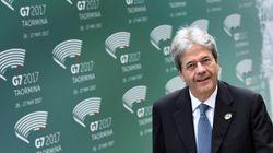 Gentiloni incassa una vittoria: dopo le perplessità di Renzi e i mal di pancia di Ap, il governo ottiene la fiducia sul ddl
