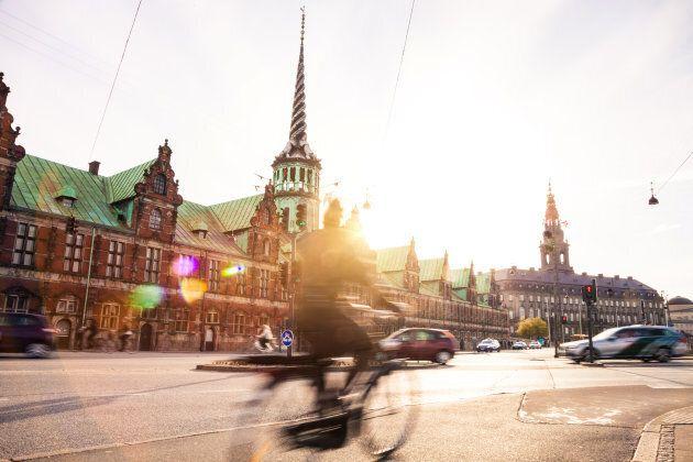 Le migliori città dove viaggiare per arte, divertimento, cibo, avventura e molto altro (secondo Lonely