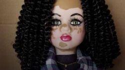 Le bambole dell'uguaglianza di quest'artista dimostrano che nessun tipo di pelle è