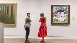 Chiede alla fidanzata di sposarlo al Met di New York, ma le guardie del museo spezzano la
