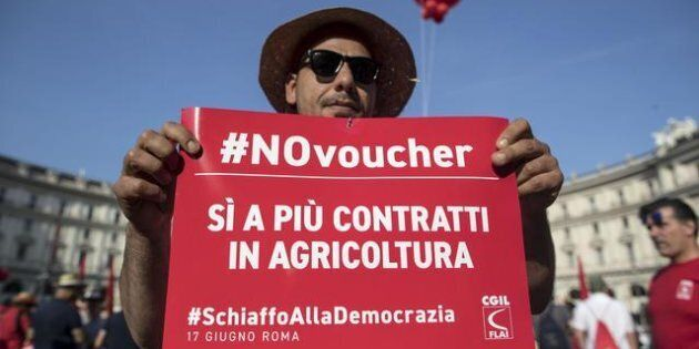 Un momento della manifestazione nazionale indetta dalla Cgil contro la reintroduzione dei voucher, Roma,...
