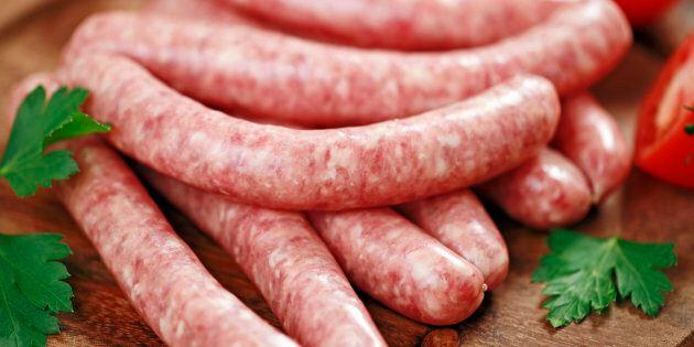 Salsicce fresche ritirate dal mercato: contaminazione da