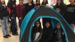 Un team di adolescenti tutto al femminile ha inventato una tenda solare per i senzatetto (premiata dal