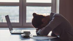5 modi per restare svegli a lavoro (evitando il