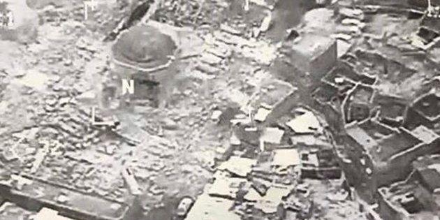Mosul affamata e distrutta tra propaganda e fake news in salsa mediorientale. Distrutta la moschea al...