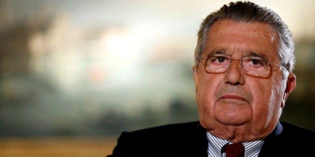 Carlo De Benedetti lascia al figlio Marco la presidenza di