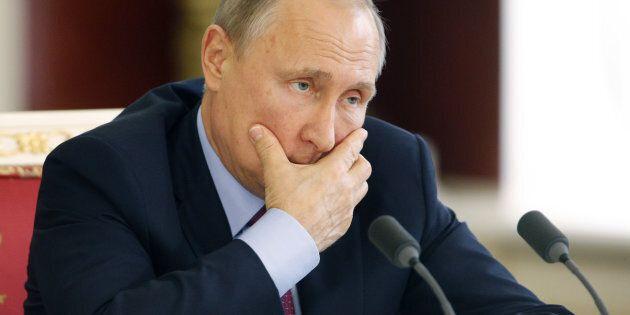Washington Post, Cia accertò che Putin diede istruzioni per danneggiare Hillary