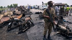 Dramma in Pakistan: esplode un'autobotte, quasi 150