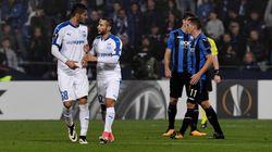 Il calciatore maltese Schembri non esulta dopo il gol contro l'Atalanta in omaggio a Daphne Caruana