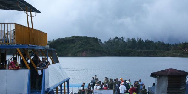 Tragedia in Colombia, affonda traghetto turistico: almeno sei morti e decine di