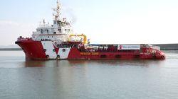 Inchiesta ong, la polizia perquisisce una nave di Save the Children a
