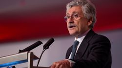 D'Alema chiede di rimanere presidente della Feps fino a fine
