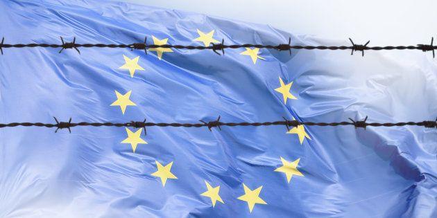 """Migranti: Ue, proteggere la """"Fortezza Europa"""", costi quel che"""