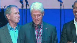 Bush fa una battuta e Obama non smette di ridere: che cosa gli avrà