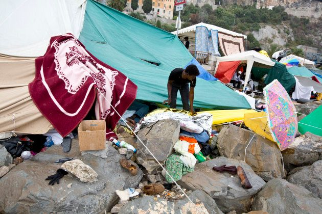 Since 10 days about 200 migrants, mostly Africans, are having to sleep rough at Ventimiglia on the France-Italy...