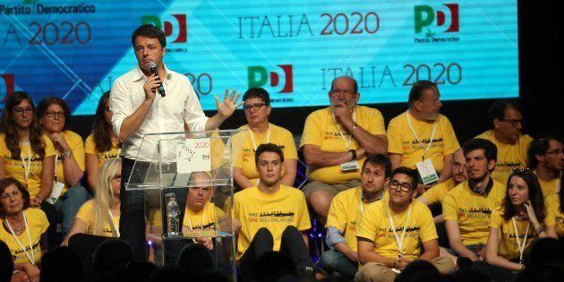 Matteo Renzi durante l'assemblea nazionale dei circoli Pd al teatro Linear Ciak di Milano, 1 luglio 2017....