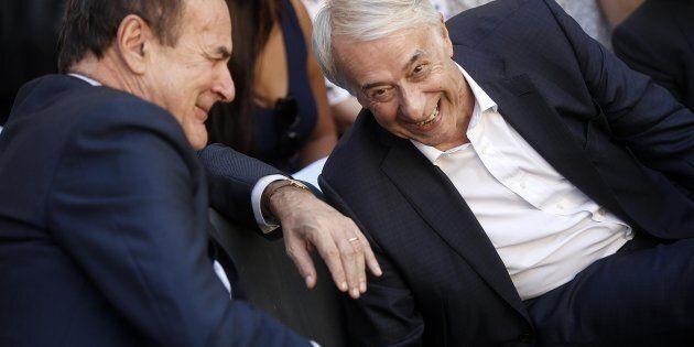 Giuliano Pisapia con Pier Luigi Bersani durante la