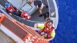 Per cinque mesi alla deriva nell'oceano Pacifico. La storia di due amiche salvate dalla segnalazione di un