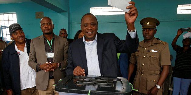 Kenya, presidenziali di sangue. Opposizione boicotta il voto. Plebiscito per