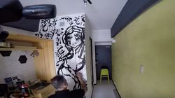 Un artista californiano è stato ospitato con Airbnb e ha lasciato un murales di ricordo al proprietario della