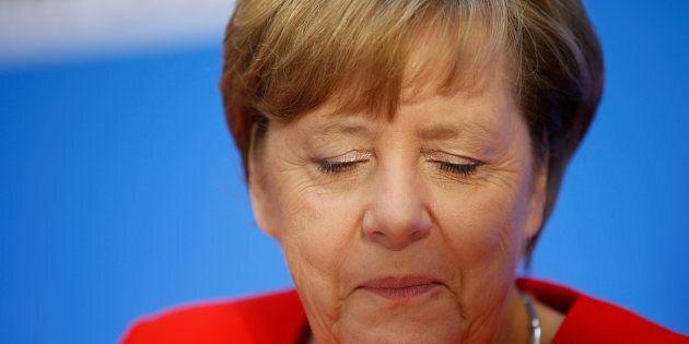 Angela Merkel promette la