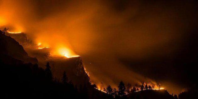 Bruciano 2 mila ettari in Piemonte, Chiamparino chiede lo stato di
