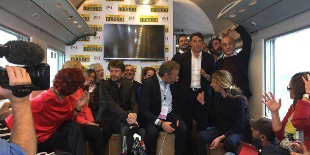 Renzi a Pietrarsa accetta le parole di Gentiloni e parte del Pd sulla necessità di costruire una coalizione,...