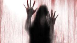La campagna shock della polizia inglese per convincere le donne vittime di stupro a