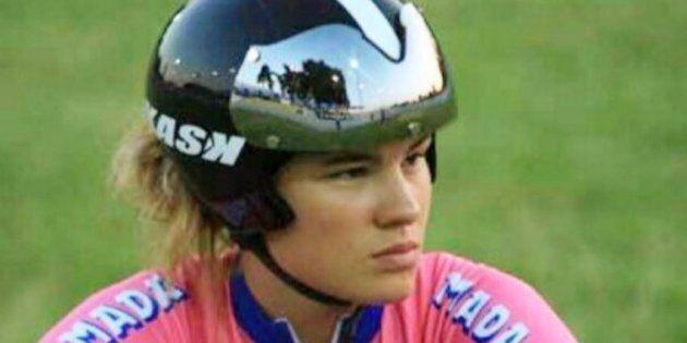 Cade a 90 all'ora e batte la testa sul guardrail: la campionessa di ciclismo Claudia Cretti lotta per...
