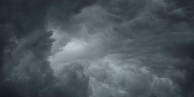 Fine del bel tempo, dal weekend arriva un'intensa perturbazione con piogge forti e