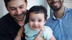 La lettera di due genitori gay al figlio adottato dimostra che la vera famiglia non è solo una questione di