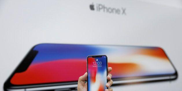Una banda di ladri ha rubato 300 iPhone X nel giorno del