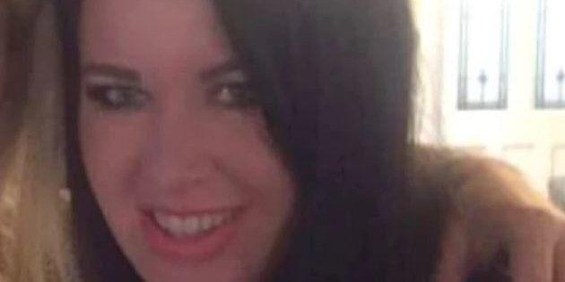 Turista inglese arrestata in Egitto per possesso di antidolorifici: rischia 25 anni di