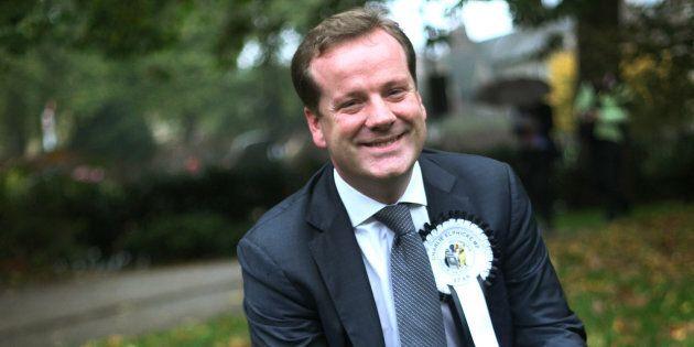 Molestie in politica: accuse a Front National e a deputati inglesi e