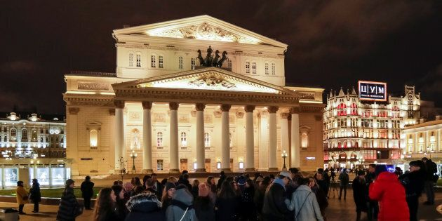 Mosca, evacuato il teatro Bolshoi per allerta