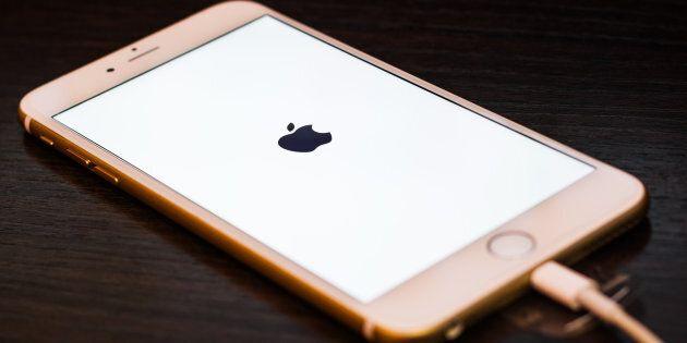 Le tastiere degli iPhone colpite da un bug che non permette di inserire la lettera